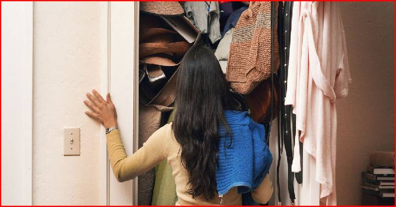 How To Declutter Your Closet Like A Minimalist